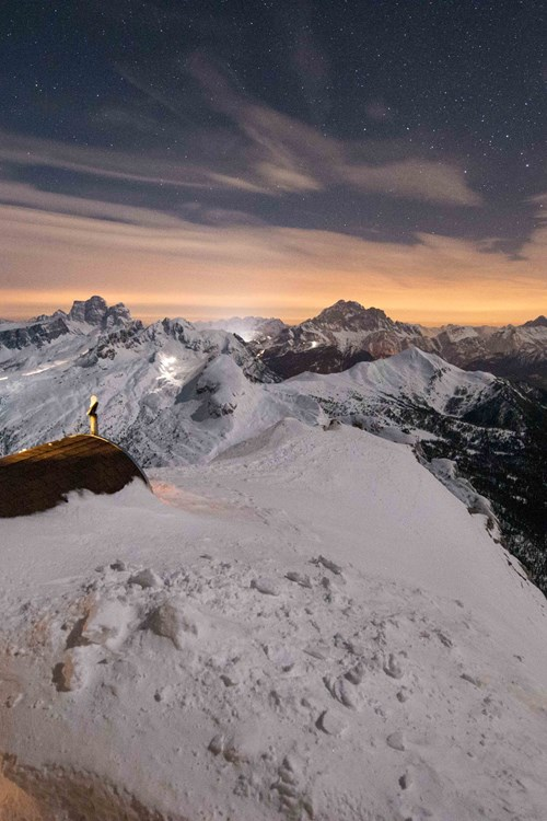 Cortina-ski-holidays-Italy-mountaintop sauna at Lagazuoi