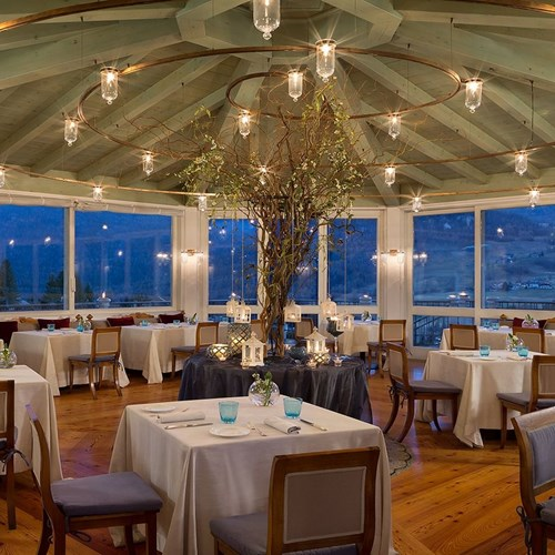 restaurant at Hotel Cristallo in Cortina, ski accommodation in Italy