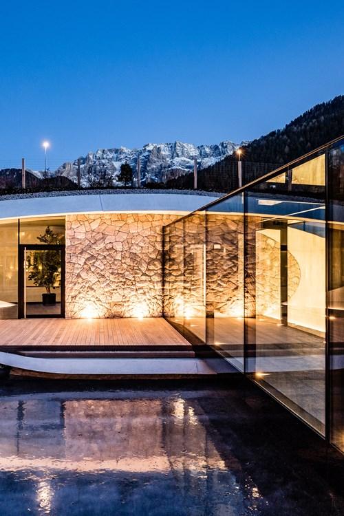Alpenroyal-Selva-Italy-lit-pool-walkway.jpg