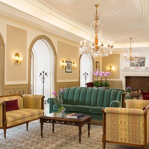 Hotel Cristallo Italy ski accommodation-lounge area
