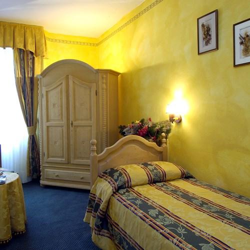 ski accommodation hotel Olimpia Cortina single room