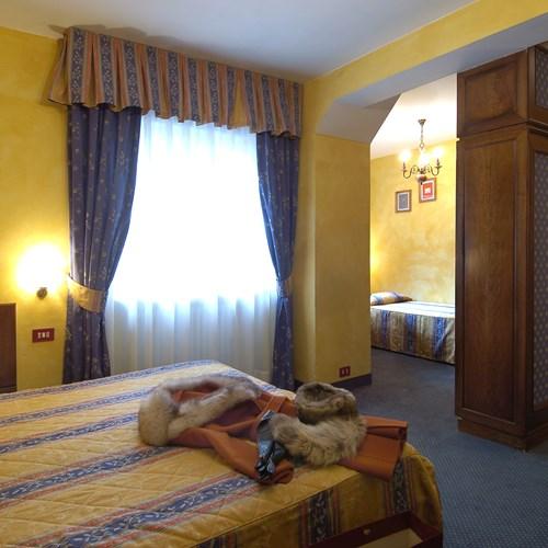 Hotel-Olimpia-Cortina-triple room
