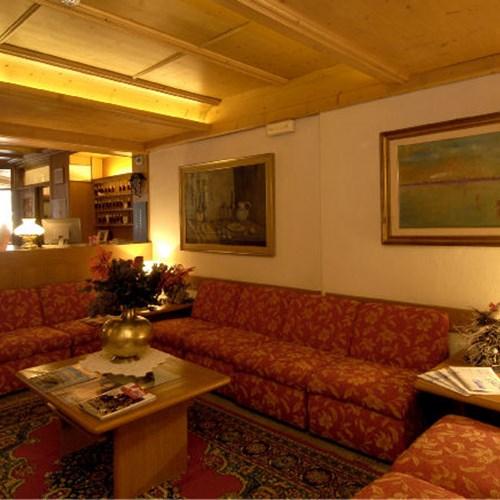 lounge area Hotel Olimpia Cortina-ski accommodation