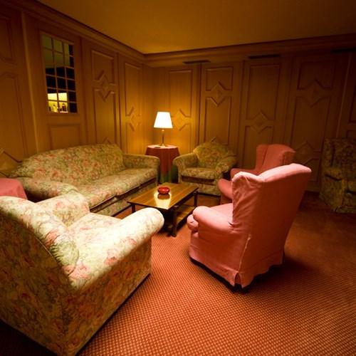 sofa area at the Hotel Pavillon Courmayeur