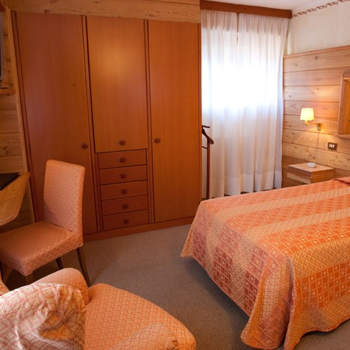Hotel Pavillon Courmayeur single room