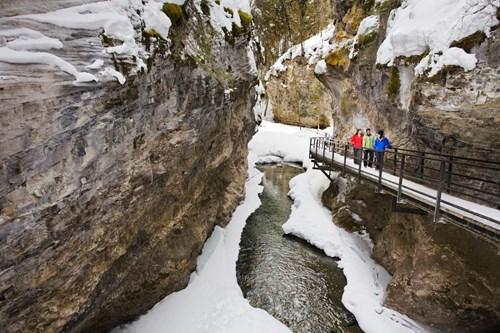 johnson canyon ice walkway