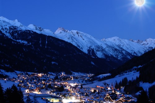 st anton by night