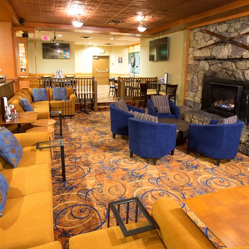 Explorers Lounge At The Lake Louise Inn