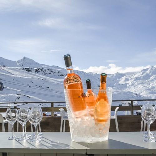 Fahrenheit-Seven-Val-Thorens-terrace bar