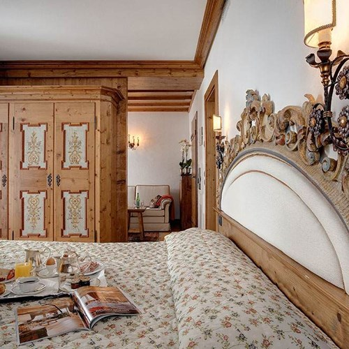 Hotel Cortina ski accommodation junior suite