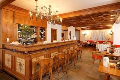 4* Hotel Cortina
