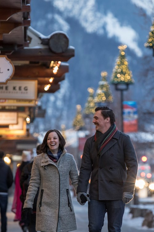 Christmas_Lights_Banff_Avenue_2016_Noel_Hendrickson_Horizontal.jpg