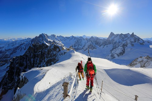 vallee blanche things to do in chamonix skiers
