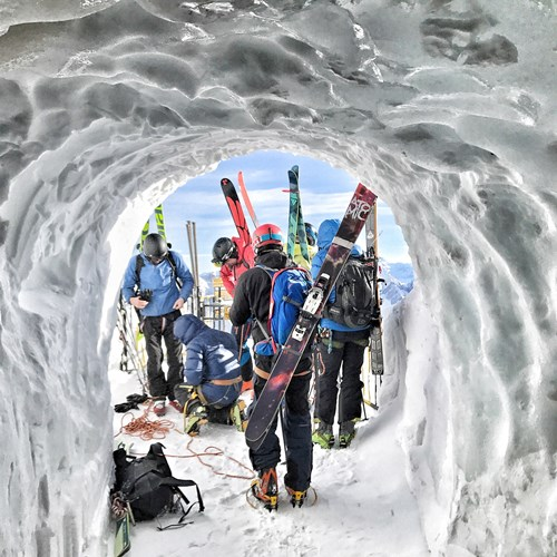 off piste guiding gear for vallee blanche Salome Abrial