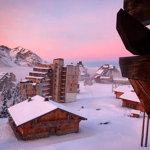 Avoriaz sunrise fresh snowall
