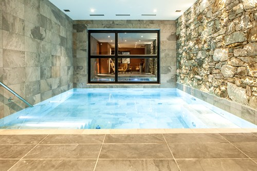 swimming pool in the chalet des cascades, les arcs