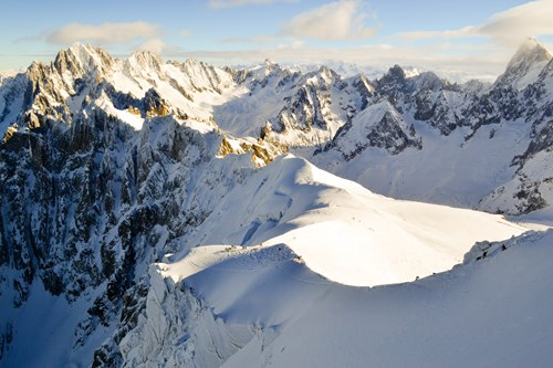 21081012 Chamonix Aiguille du Midi Vallee Blanch Ridge with cliff.jpg