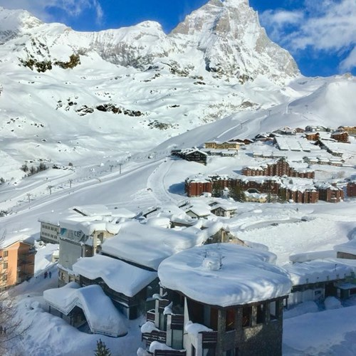 Cervinia ski resort snow