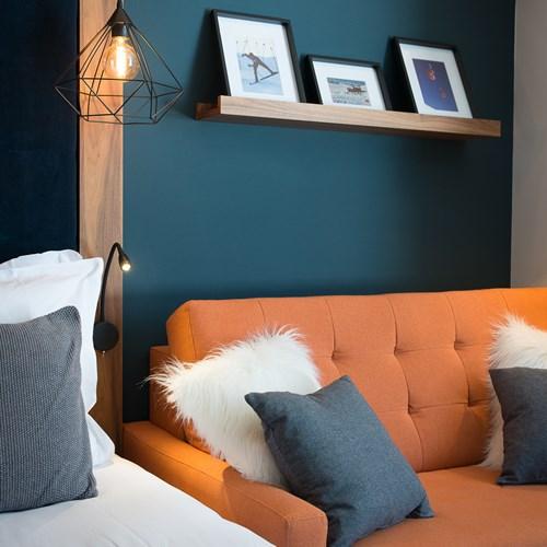 Fahrenheit-Seven-Val-Thorens-triple room orange