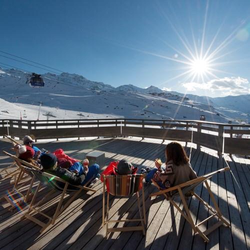 Fahrenheit-Seven-Val-Thorens-sun terrace