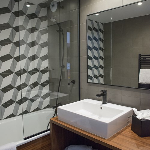 Fahrenheit-Seven-Val-Thorens-bathroom