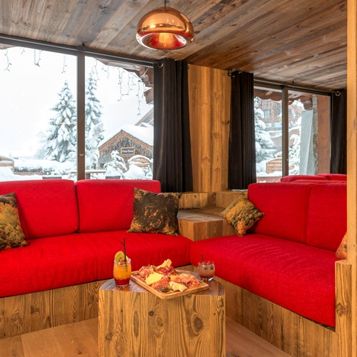 Hotel Eterlou Meribel-hotel bar cosy seating area
