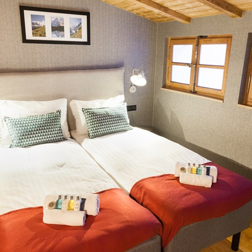 the loft chalet, chamonix twin room