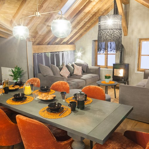dining area of the loft chalet in Chamonix