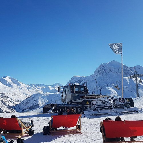 deckchairs in sunny Lech