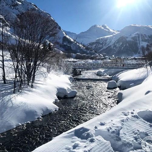 Val d'isere fesh snow tracks