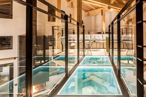 Floating mezzanine in chalet des cascades, les arcs  France