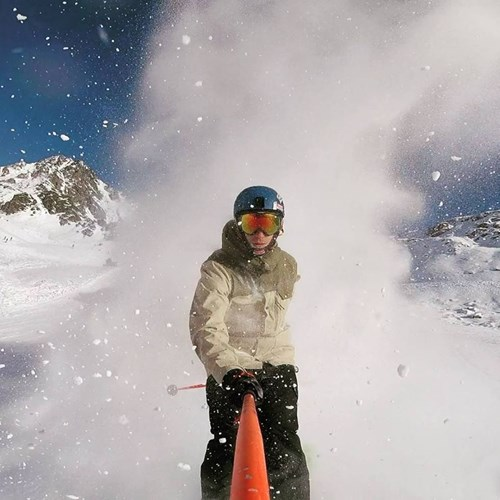 skiing powder in Verbier
