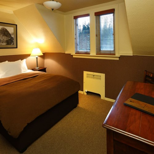 Deer Lodge-Lake Louise-Lodge Room.JPG