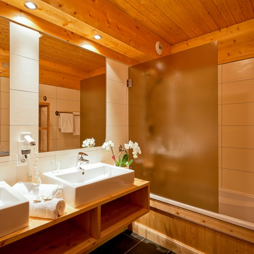 Hotel-Les-Flocons-Courchevel-France (10).jpg