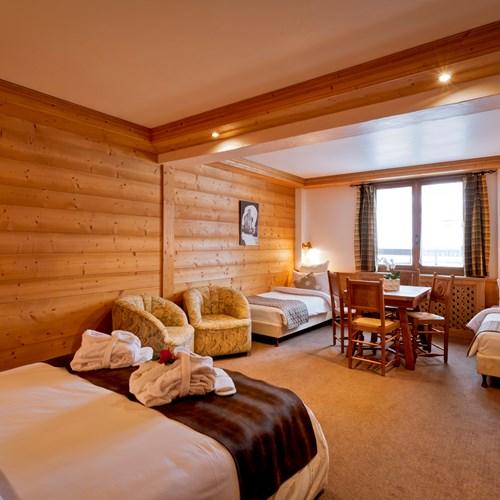 Hotel-Les-Flocons-Courchevel-France (17).jpg