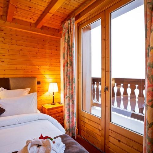 Hotel-Les-Flocons-Courchevel-France (30).jpg