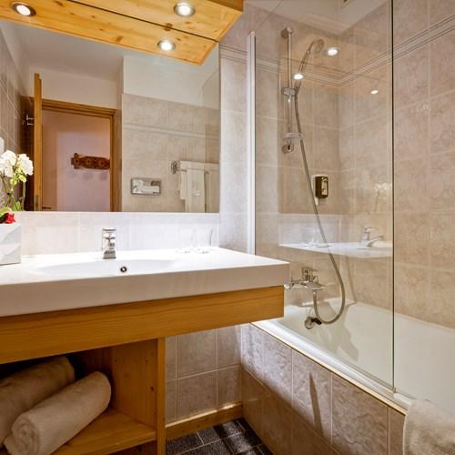 Hotel-Les-Flocons-Courchevel-France (41).jpg