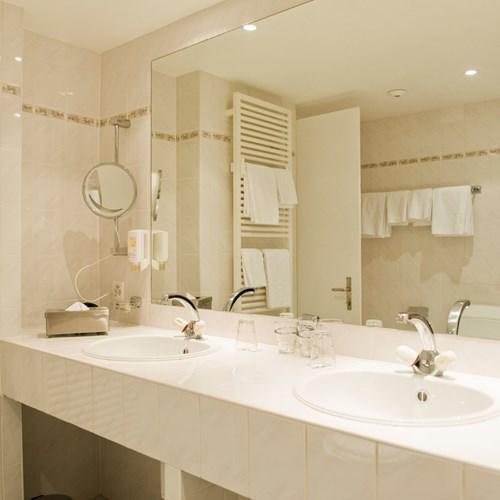 Hotel Wengener Hof-Wengen-bathroom.jpg