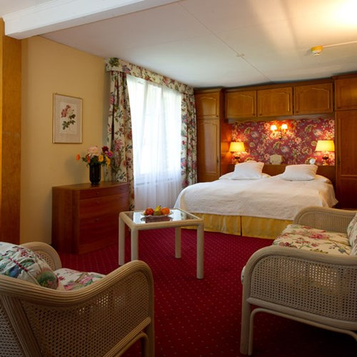 Hotel Wengener Hof-Wengen-double room.jpg