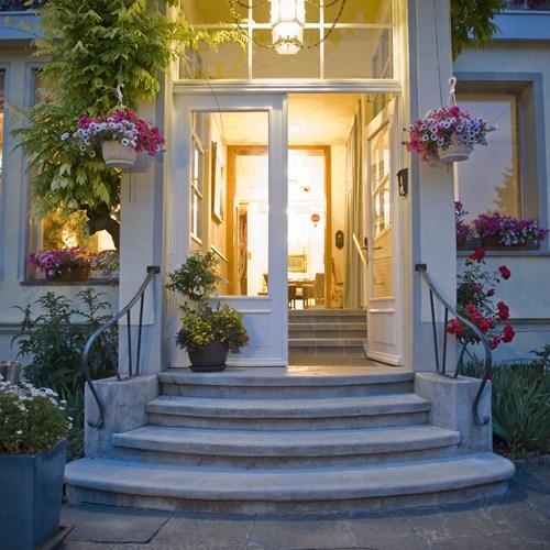 Hotel Wengener Hof-Wengen-front door.jpg