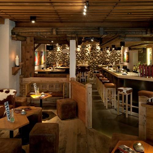 Hotel Eiger-Grindelwald ski hotel Gepsi bar area