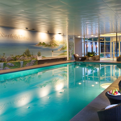 Hotel Belvedere-ski accommodation in Grindelwald-indoor swimming pool