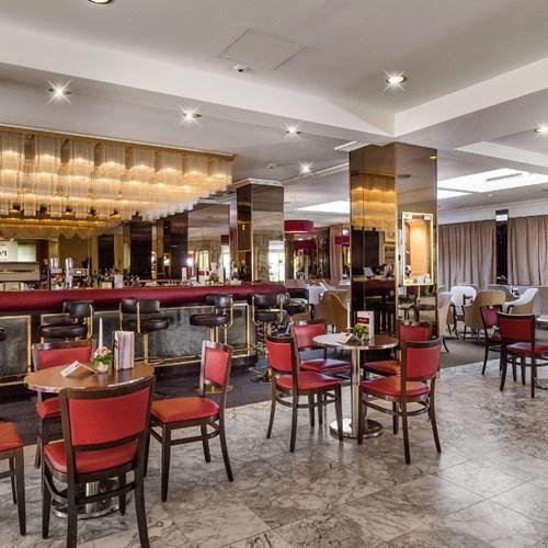 palace hotel, ski accommodation in Bad Hofgastein, Austria, bar area