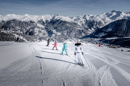 Family skiing in Courchevel