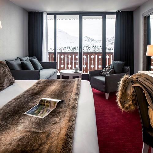 Le Pic Blanc-Alpe d'Huez-bedroom 2.jpg
