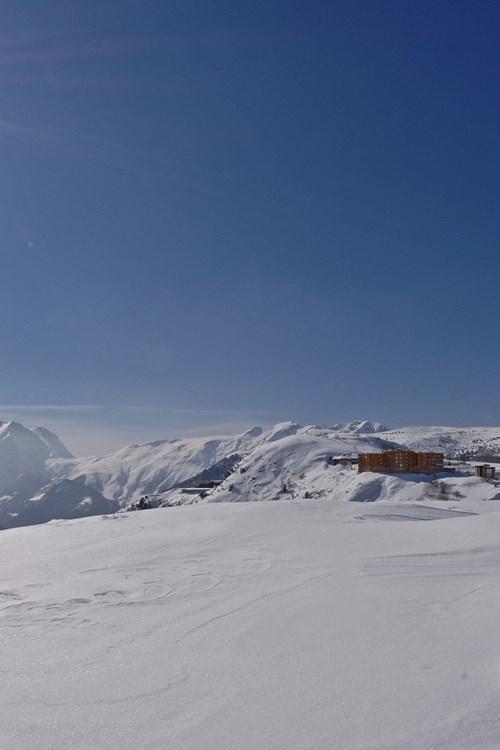 Le Pic Blanc-Alpe d'Huez-view.jpg