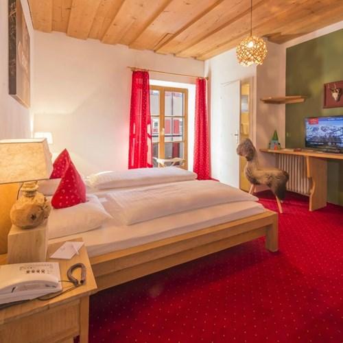 Hotel Gamshof-kitzbuhel ski accommodation-double room layout