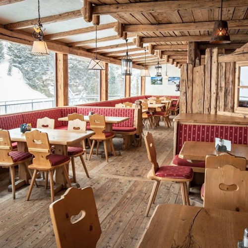 Trubsee Alpine Lodge-Engelberg ski resort-restaurant with a view