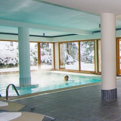 Hotel Alpen Roc-La Clusaz-France-indoor swimming pool