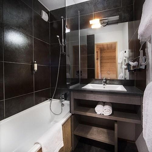 Hotel Alpen Roc-La Clusaz-France-bathroom